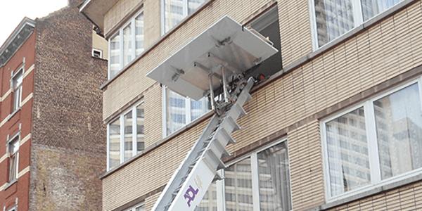 lift Boitsfort, monte-meuble-avec-operateur